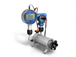 ADT901 low pressure calibration pump with test gauge and process transmitter